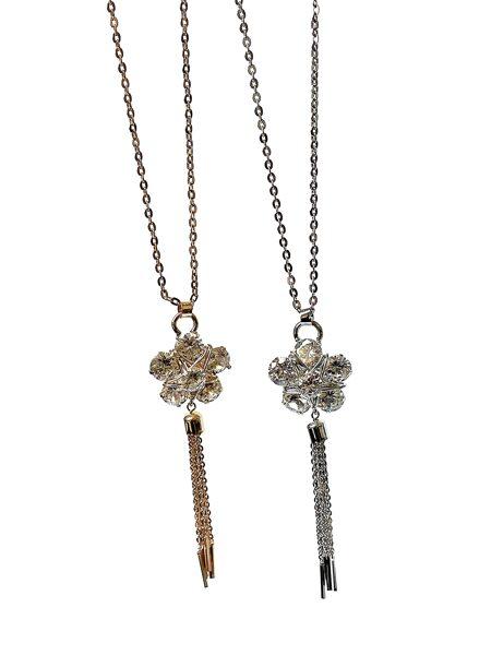 Kaklarota ar cirkonija akmeņu puķi