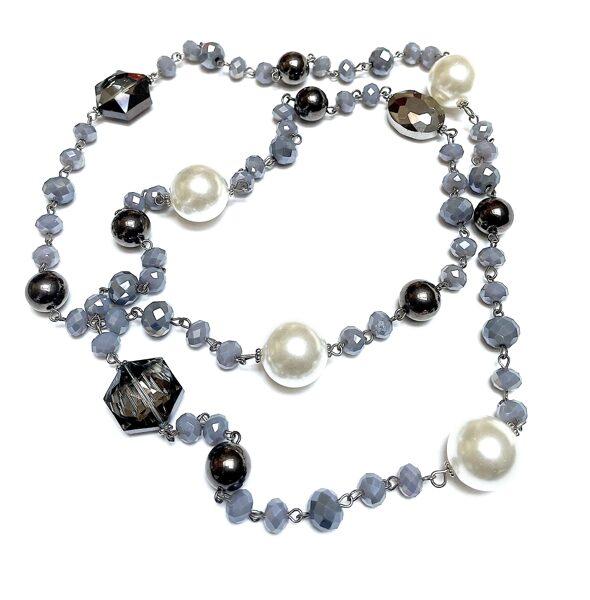 Kaklarota ar pērlēm un pelēkiem akmeņiem